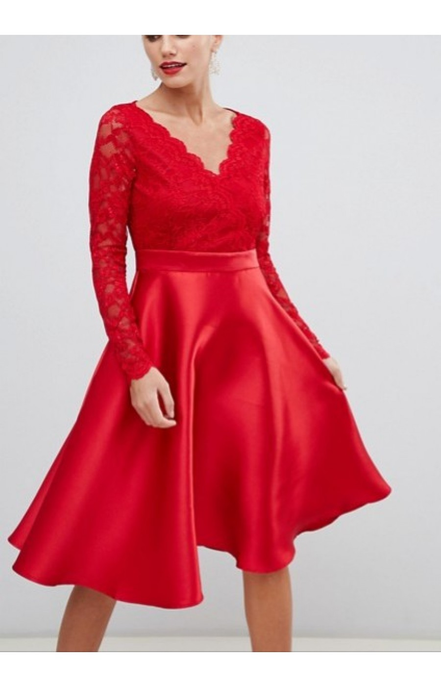 Σατέν κόκκινο φόρεμα με δαντέλα στο επάνω μέρος