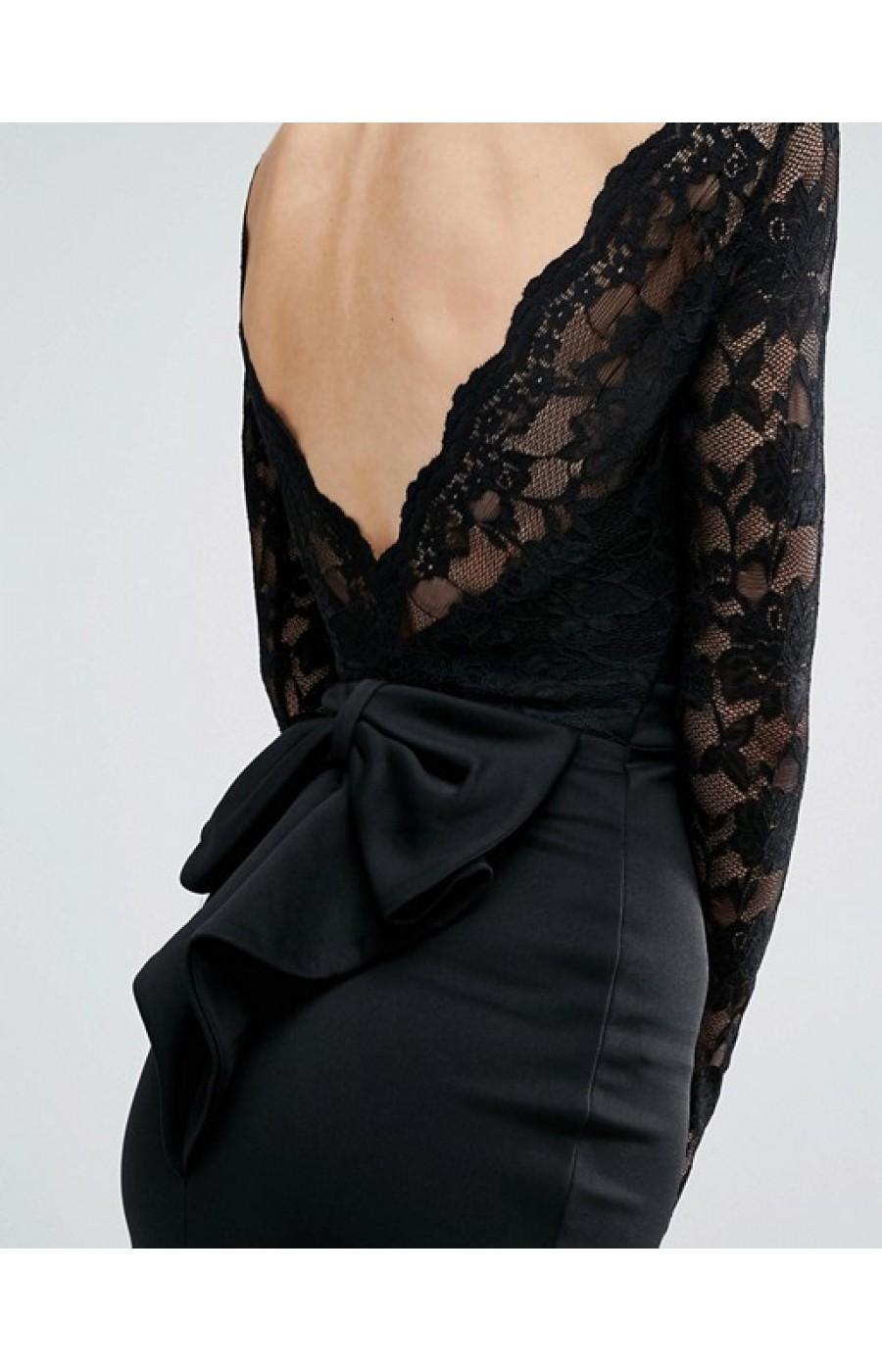 Μακρύ μαυρο φόρεμα με ανοικτή πλάτη