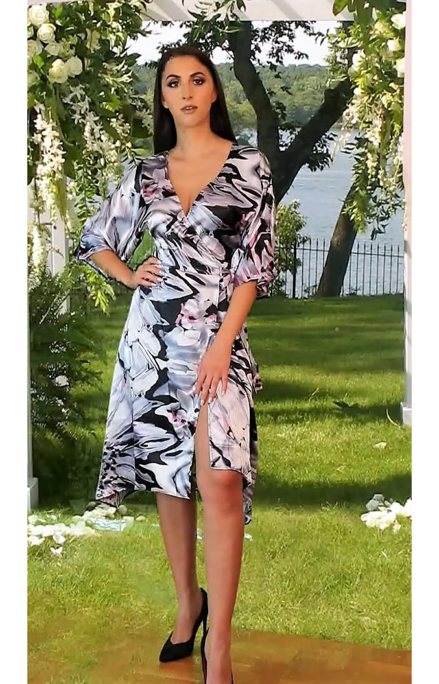 Ελαφρύ φόρεμα σατεν