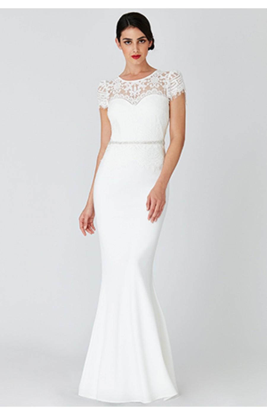 Μακρύ λευκό φόρεμα ζερσευ με δαντέλα