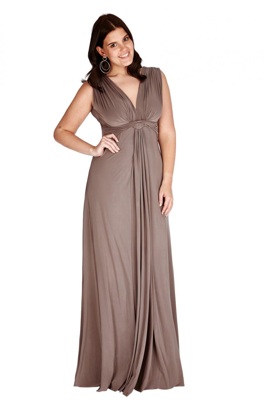 Χυτό αναλαφρο φόρεμα στο χρώμα της μόκας