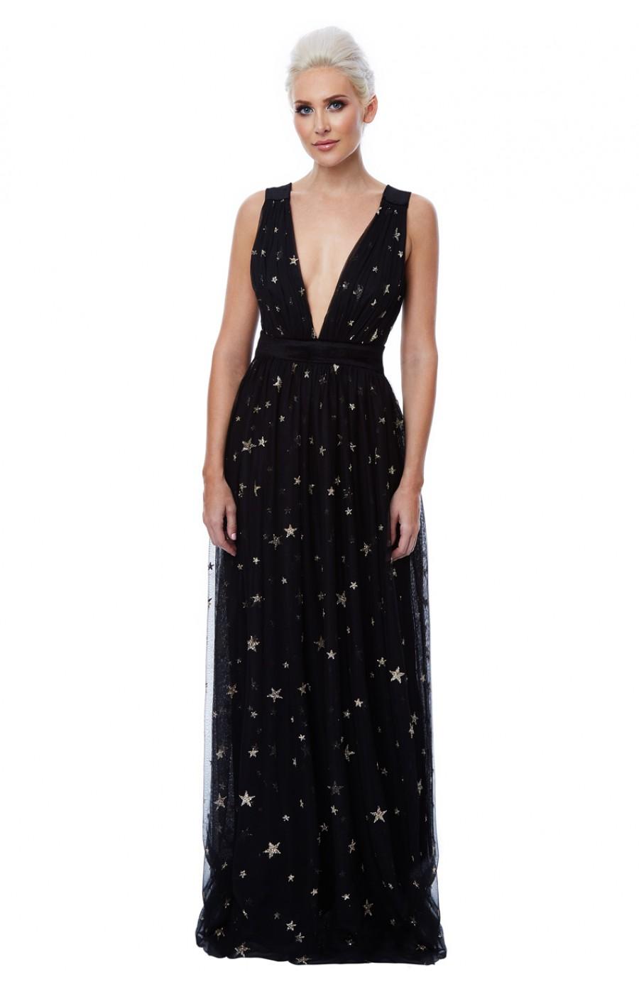 Αέρινο μαύρο μακρύ φόρεμα με λεπτομέρειες από αστέρια