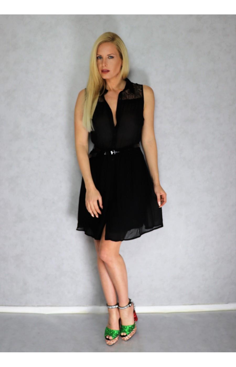 Φόρεμα με διαφάνεια επάνω και ζωνακι με κουμπιά