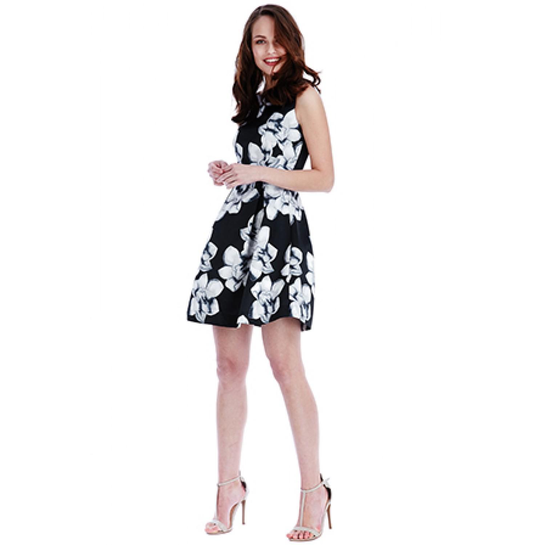 μαυρο κοντο φορεμα με λευκα λουλουδια b5ede5f0a79