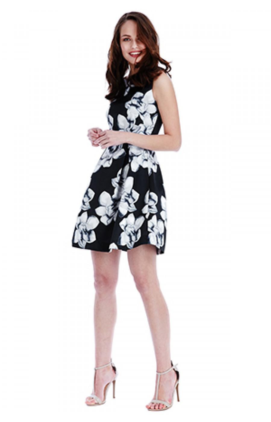 μαυρο κοντο φορεμα με λευκα λουλουδια